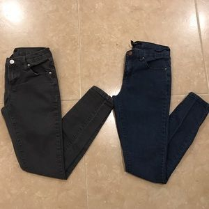 2 PAIR FOREVER 21 SKINNY JEANS SIZE 25
